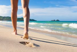 What to wear to walk on the beach Top 5 Tips
